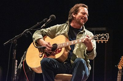 eddie-vedder-march-2019-billboard-1548-1024x677
