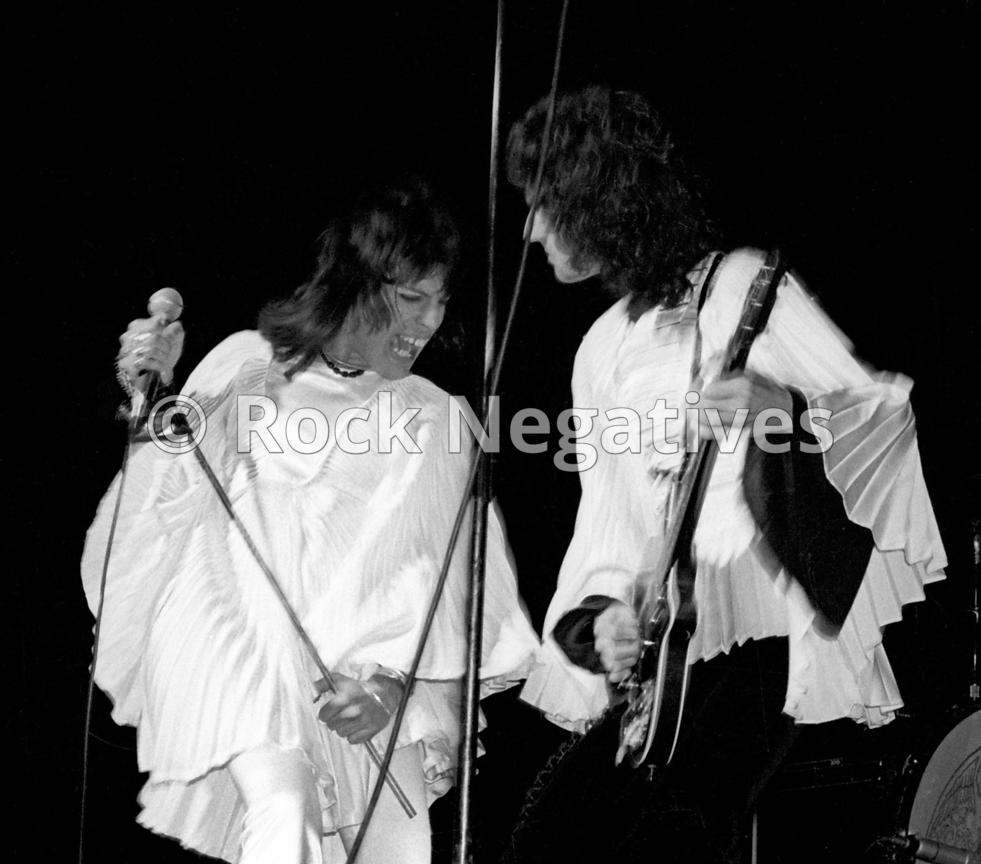 JH_QUEEN_19740507_NYC_URISTHEATRE_35mm_Negatives-Mott_the_Hoople_and_Queen-021