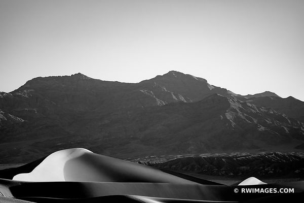 MESQUITE FLAT SAND DUNES DEATH VALLEY CALIFORNIA BLACK AND WHITE