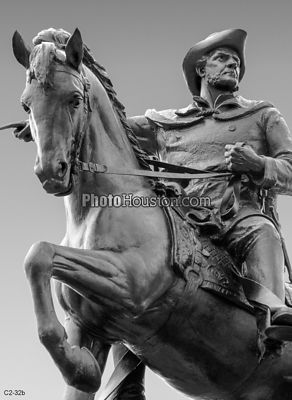Bronze statue of Sam Houston in black and white