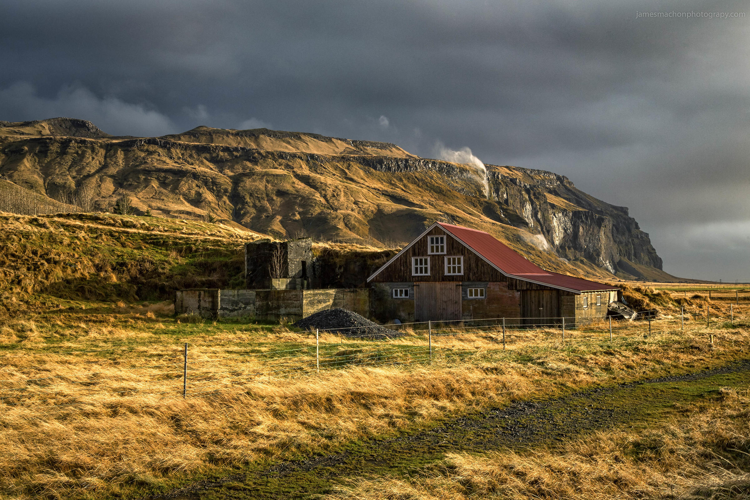 Stormy_Farmhouse
