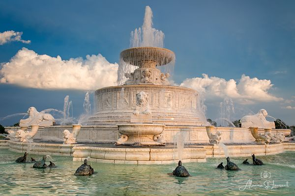 Belle_Isle_Scott_Fountain_Dark_Sky_White_Clouds