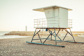 Santa Cruz Beach Lifeguard Stand and Lighthouse Picture