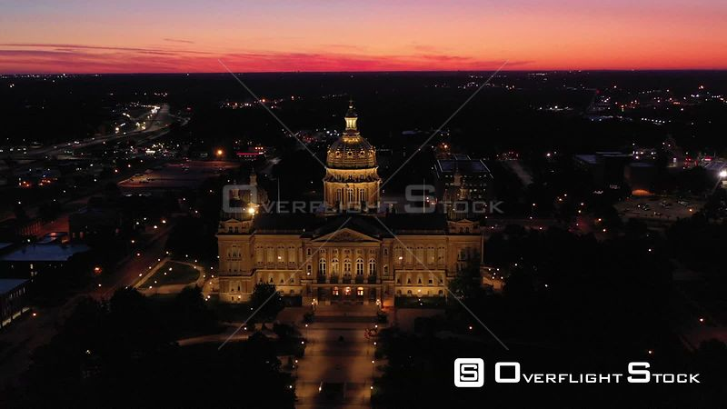 Predawn view of the Iowa State Capital Building, Des Moines, Iowa, USA