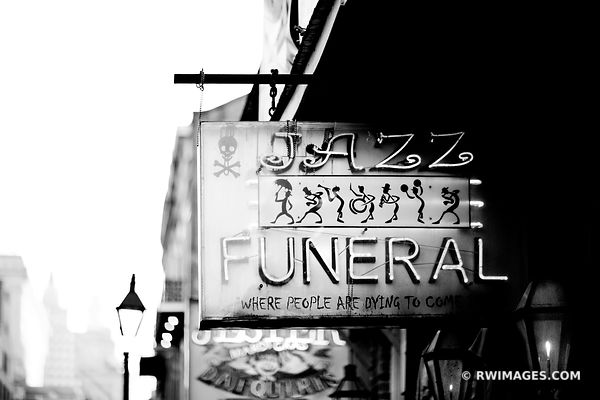 JAZZ FUNERAL FRENCH QUARTER NEW ORLEANS LOUISIANA BLACK AND WHITE